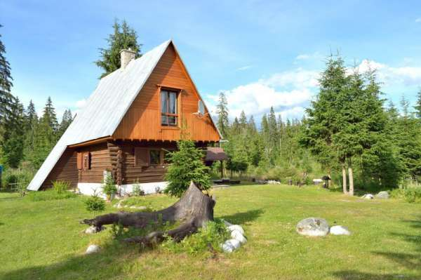 Chalet in the High Tatras - summer